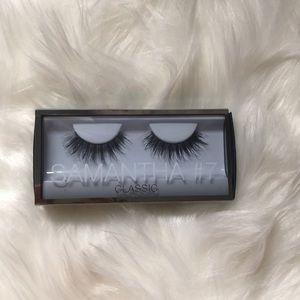 Huda Beauty eyelashes. Samantha #7 classic